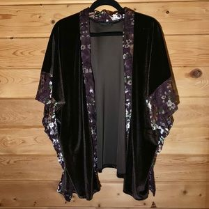 Do everything in Love Velvet Kimono